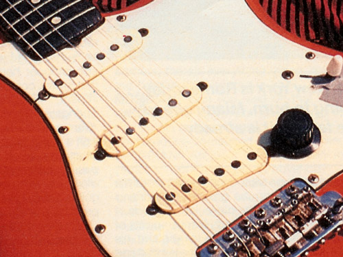 ... and on Knopfler's Strat
