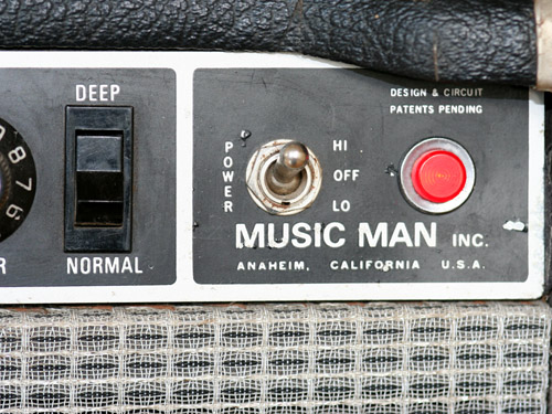 The Deep switch works after the pre-amp stage and thus affects both channels